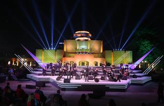 """الجمهور يتحدى """"كورونا"""".. وزيرة الثقافة تطلق إشارة استئناف نشاط الأوبرا على مسرح النافورة"""