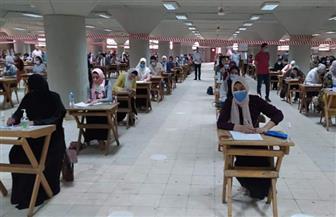 لليوم الثاني ووسط إجراءات احترازية.. كليات جامعة القاهرة تواصل امتحانات الفرق النهائية