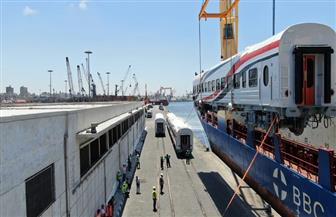وزير النقل: وصول دفعة جديدة من عربات ركاب السكك الحديدية إلى ميناء الإسكندرية | صور
