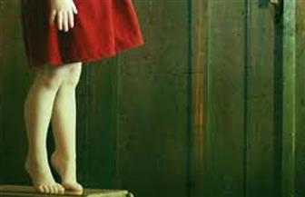 """طفلة تشنق أخرى تقليدا لفيديو شاهدته على موقع """"يوتيوب"""""""