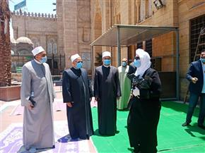 بعد 100 يوم إغلاق.. مسجد السيدة زينب يفتح باب مصلي النساء ويحدد 8 ضوابط للدخول   صور