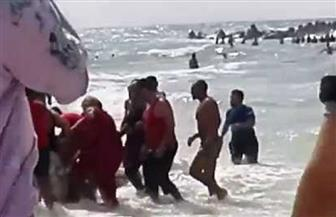 فرق الإنقاذ تنتشل جثة غريق من شاطئ النخيل بالإسكندرية والعدد يرتفع لـ 12 حالة