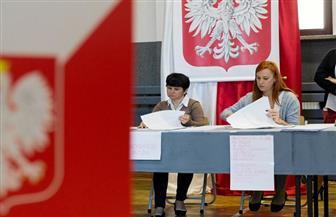 البولنديون يدلون بأصواتهم في انتخابات الرئاسة وسط انقسامات