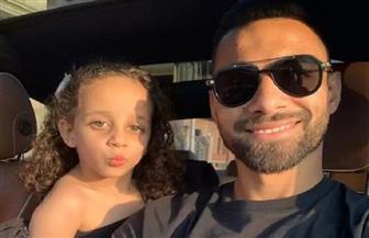 عمرو السولية يتصدى للتنمر باتخاذ الإجراءات القانونية لكل من أساء له وابنته