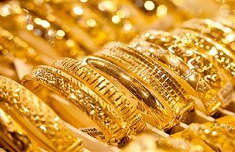 الذهب يتراجع مع ارتفاع الدولار وسط شكوك بشأن التحفيز الأمريكي