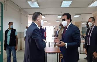 وزير التعليم العالي ورئيس جامعة عين شمس يتفقدان مبنى الامتحانات بجامعة عين شمس | صور