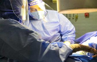 إجراء عملية جراحية ناجحة لمسن بمستشفى قنا مصاب بفيروس كورونا| صور