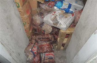 ضبط 4 أطنان منتجات غذائية غير صالحة للاستهلاك داخل ثلاجتين بالمنصورة   صور
