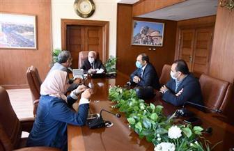 محافظ بورسعيد يستعرض الفرص الاستثمارية بالمحافظة مع وفد الهيئة العامة للاستثمار | صور