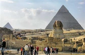 خبير اقتصادي: الالتزام بالإجراءات الاحترازية سبب انتعاش السياحة وعودة رحلات الطيران لمصر
