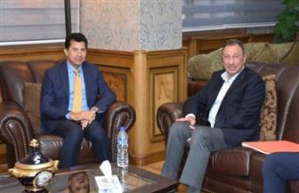 الأهلي يطلب من وزير الرياضة رسميا إزالة لافتات «نادي القرن» من محيط الزمالك