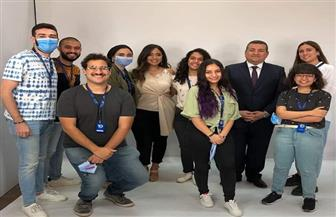 وزير الإعلام يتفقد أول استوديو مجهز بالهواتف المحمولة في الوطن العربي