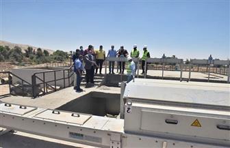 محافظ أسيوط يتفقد أعمال المرحلة الثانية من محطة صرف صحي عرب المدابغ | صور