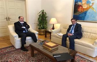 الأمين العام المساعد للجامعة العربية يلتقي ممثل مجلس سوريا الديمقراطية في مصر