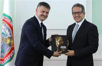العناني يلتقي وزير الرياضة والسياحة البيلاروسي | صور
