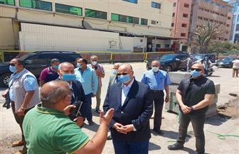 محافظ القاهرة يتفقد إزالة عقار مكون من ١٨ دورا مخالفا في عين شمس| صور