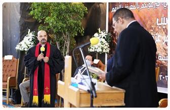 رئيس الطائفة الإنجيلية يشهد تنصيب القس جوهر عزمي راعيا للكنيسة الإنجيلية بالعبور| صور