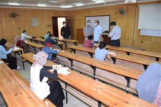 رئيس جامعة سوهاج يتفقد امتحانات نهاية العام وإجراءات مواجهة كورونا