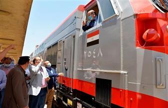 محافظ أسيوط يشهد انطلاق أحد القطارات الجديدة عالية المستوى | صور
