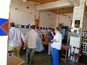 حملات على المطاعم والمقاهي لمتابعة تنفيذ الإجراءات الاحترازية بأسيوط | صور