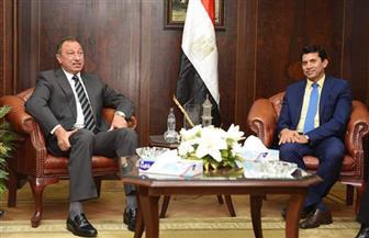 «الخطيب» يشيد بجهود أشرف صبحي لخدمة الرياضة المصرية