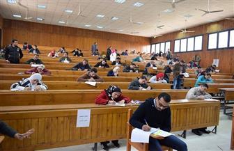 رئيس جامعة بورسعيد يطمئن على سير لجان امتحانات الفرق النهائية داخل 8 كليات