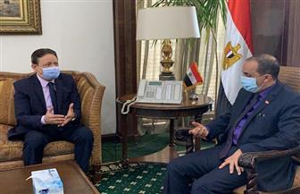 كرم جبر يلتقي وزير الإعلام اليمني.. ويؤكد: دعم ومساندة الإعلام المصري للدولة اليمنية في تحقيق الاستقرار / صور