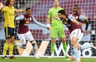 لاعبو الأهلي يهنئون تريزيجيه بعد هدفه في مرمي الأرسنال