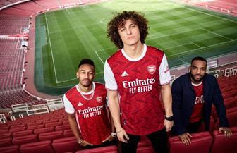 الكشف عن القميص الأول لفرق نادي أرسنال الإنجليزي | صور