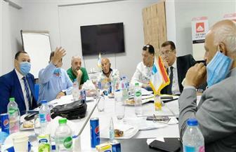 لجنة الضرائب المشتركة مع غرفة الأخشاب تبحث في اجتماعها الأول مشكلات الصناع | صور