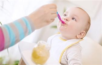 للأمهات.. نصائح ومحاذير في غذاء الرضع حتى عمر عام