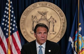 حاكم نيويورك يسعى لإبعاد 95% من سكان الولايات المتحدة عن ولايته بسبب كورونا
