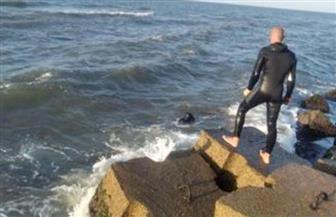 انتشال جثث 4 غرقى جدد بشواطئ العجمي في الإسكندرية