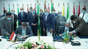الجزار وأبو الغيط يشهدان توقيع عقد شراء أرض الأكاديمية العربية للعلوم والتكنولوجيا فرع العلمين الجديدة