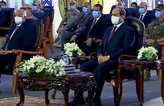 """الرئيس السيسي لـ""""المصريين"""": """"خليكم أسود.. الأسد محدش بيأكل أكله"""""""