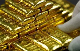 الذهب ينزل مع صعود الدولار بفضل بيانات قوية لقطاع الصناعة الأمريكي