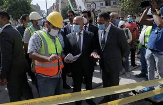 وزير النقل يتابع أعمال معالجة التربة أسفل السور الخارجي بسفارة البحرين وعقار الزمالك | صور