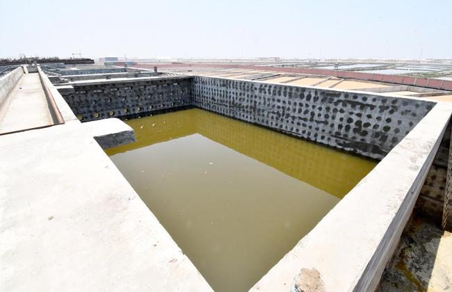 وزير الإسكان يتفقد محطة معالجة صرف صحى وصناعى شطا بدمياط