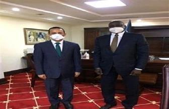 السفير المصري في جوبا يلتقي وزير شئون الرئاسة الجنوب سوداني