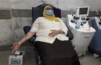 نائبة محافظ أسوان تتبرع ببلازما الدم بالمستشفي الجامعي لصالح مصابي كورونا |  صور