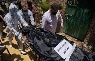 دفن رجاء الجداوى بعد الصلاة عليها مرة أخرى أمام المقابر| صور