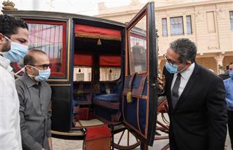 «العناني» يتفقد متحف المركبات الملكية لوضع اللمسات النهائية بمشروع الترميم تمهيدا لافتتاحه | صور