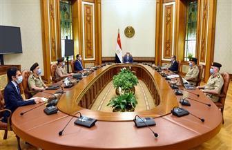 الرئيس السيسي يطلع على خطط وجهود سلاح الإشارة بالقوات المسلحة لتأمين العمق الغربي لمصر
