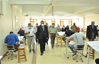 رئيس جامعة كفرالشيخ يتفقد سير امتحانات السنة النهائية لكلية الهندسة | صور