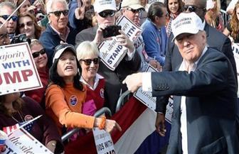 """أنصار ترامب يشوهون """"جدارية سوداء"""" بكاليفورنيا بعد ساعات من انتهائها"""