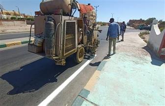 البدء فى أعمال تخطيط الشوارع والميادين بمدينة رأس غارب | صور