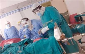 نجاح أول عملية جراحية لمصاب بكورونا داخل مستشفى العزل الصحى بكفرالزيات | صور