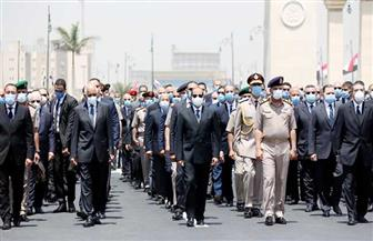 الرئيس السيسي يتقدم الجنازة العسكرية للفريق العصار| فيديو وصور
