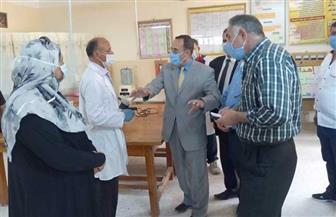 محافظ شمال سيناء يتفقد مشروع إنتاج الكمامات بمدينة العريش | صور