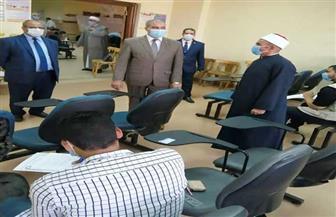 """رئيس جامعة الأزهر يتفقد لجان امتحانات كلية الدعوة ويشيد بإجراءات مواجهة """"كورونا"""""""